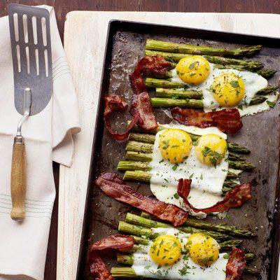 Bacon-Ei-Spargel-Blech