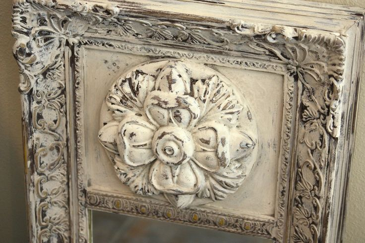 DIY:  Faux Plaster Paint Finish - easy DIY on how you can achieve this look, inexpensively, using paint and pre-made spackle.