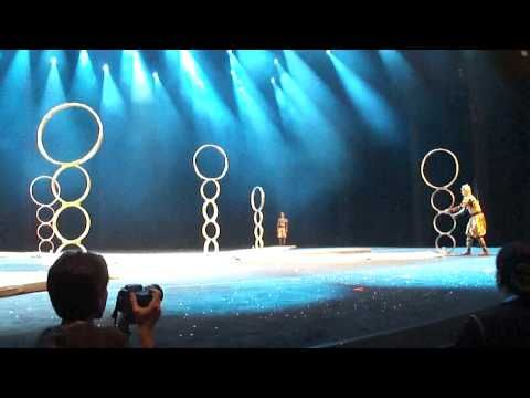 Circo da China - Argolas (Hoop Diving) - YouTube
