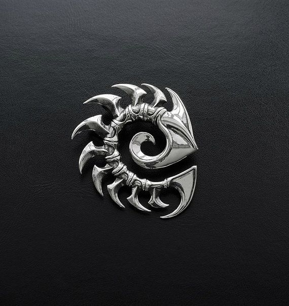Zerg pendant inspired by StarCraft game made from by YariloStudio