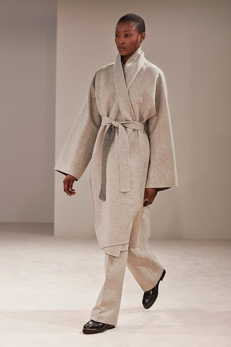 FALL 2014/02- CAMEL AND GREY ON THE RUNWAY - Mark D. Sikes: