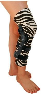 BRACE UnderSleeve Fashions tm -  Be comfy and fashionable with designer under sleeves for your knee or elbow brace. 70+ styles by 'Cast Cover Fashions'.
