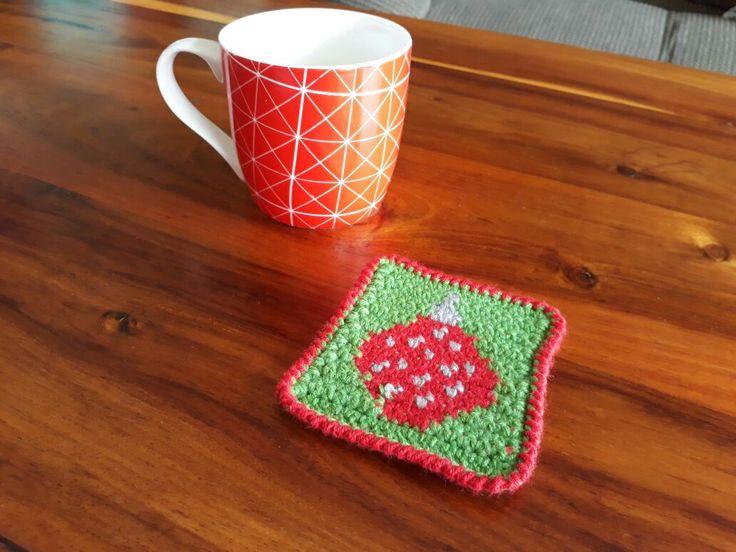 Christmas Ornament Coaster – Crochet Creations