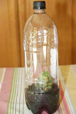 5 Soda bottle crafts for kids using #upcycle #leftover soda bottles.