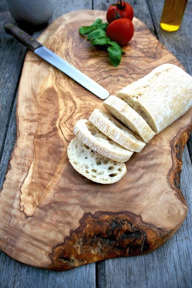 %100 Zeytinağacından el yapımı kesme tahtaları Gurme212 Mutfak bölümünde satışta. www.gurme212.com