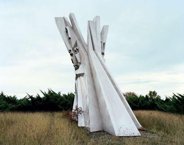 25 Abandoned Yugoslavia Monuments that look like they're from the Future ~ Crack Two