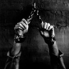 Síndrome do mundo moderno : Honrar os pais não significa ser escravo deles..
