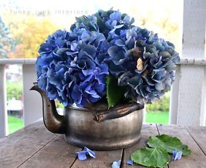 Hydrangeas in old kettles and other display ideas / Part of Everything you've ever wanted to know about Hydrangeas! Written by Funky Junk Interiors for #eBay