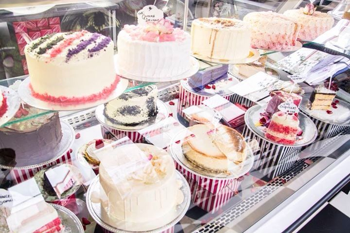 Oh! The choices!  #love #isabellas #cakes