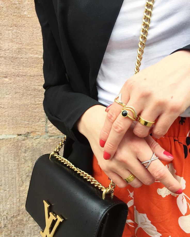#diy #style #inspiration #fashion #purse #lvpurse #chainpurse #ring #fingerring