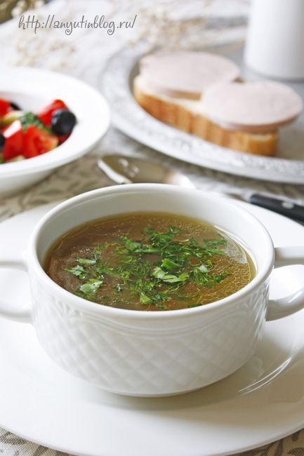 Костный бульон. Невероятно наваристый и ароматный!!! Не варила бы, ни за что этому не поверила. Когда я узнала об этом рецепте, потом начала варить супы и борщи на основе такого бульона. #soup, #stock, #food
