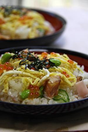 """Salmon & salmon roe SUSHI"" - japanese recipe/鮭とイクラの親子寿司/ちらし寿司"