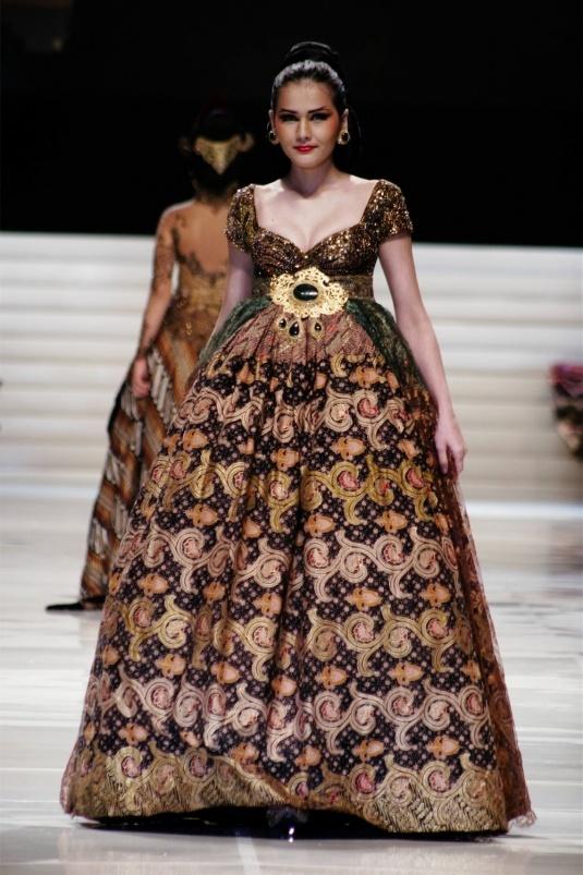 Anne Avantie dress