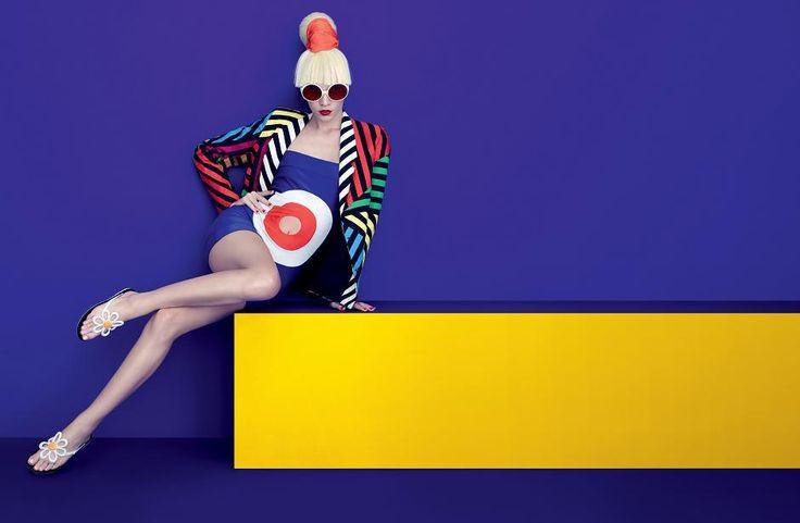 A plastic fantasy: pop art meets futuristic thrills - Fashionising.com