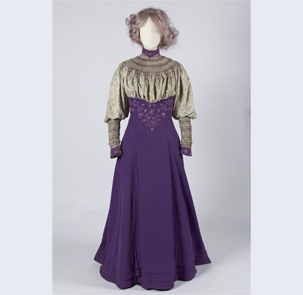 Liberty & Co walking ensemble 1906-1907