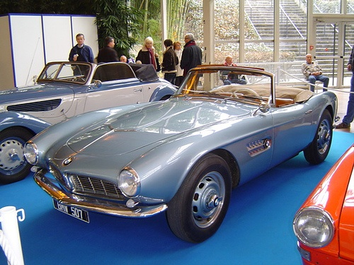 BMW 508 by petitejaune, via Flickr. In Mafia 2 BMW 508 is called a ISW 508. According to me this is the best car without a roof in this game.