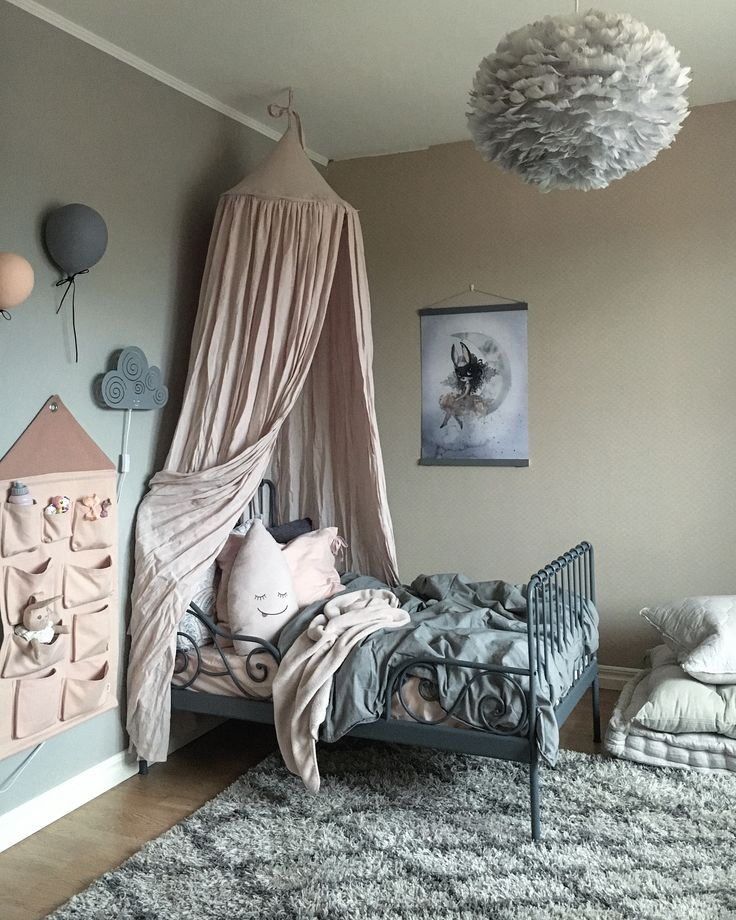 Greys and pinks - a charming #kids #room
