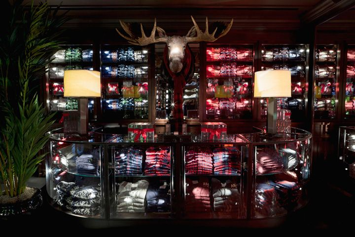 Abercrombie & Fitch flagship store by Selldorf Architects, London store design