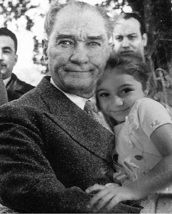 Ulu önder Atatürk'ün çocuklara armağan ettiği 23 Nisan Ulusal Egemenlik ve Çocuk Bayramı'mız KUTLU OLSUN! #23Nisan #23Nisan