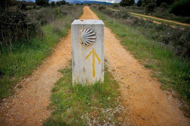 La partenza di quello che viene chiamato il cammino francese si realizza nella piccola (quanto ardua da raggiungere con i mezzi) cittadina di Saint Jean Pied de Port (foto: Alamy/Milestonemedia)