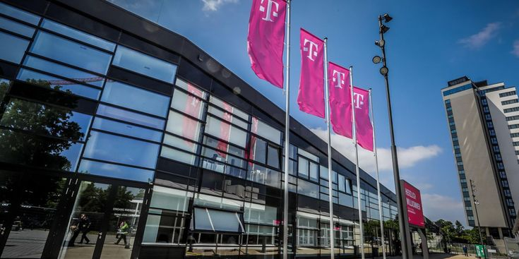 Namensanderung Heirat Telekom In 2020 Structures Building Multi Story Building
