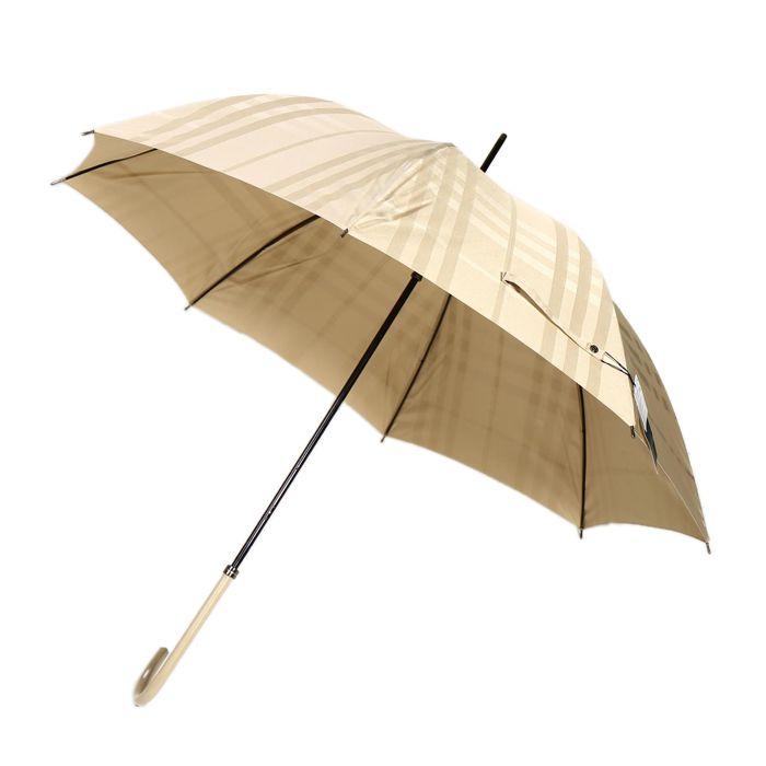 バーバリーより傘をご紹介します。 控えめで上品なチェック柄がさりげないブランド感を演出してくれるはずですよ。 プレゼントにもおススメです。 詳細はこちら>http://bbl-shop.com/?pid=85325711