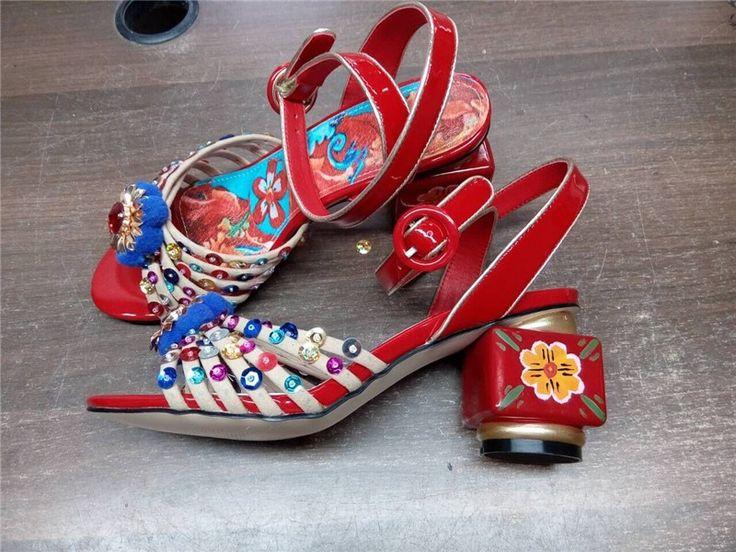 CHENSIR9 Натуральная Кожа Женщин высокой пятки сандалии Окрашенные цветы Блеск открытым носком сандалии плюс размер 34 43 MY004A купить на AliExpress