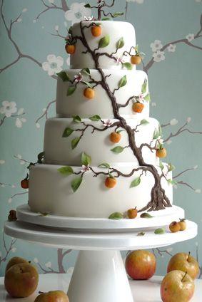 cake met een boom er op   gaaf !!!!