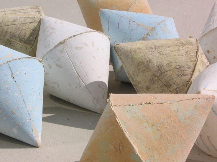 Anna Klimešová, Infinity I, 2003, 15 x 9 cm #clay #sculpture #infinity