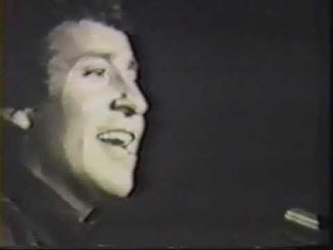 Victor Jara El derecho de vivir en Paz