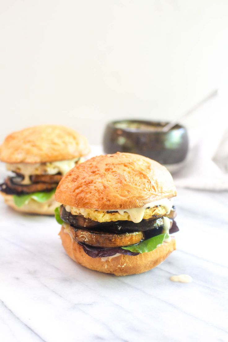 ThisHawaiian Sweet Potato Sandwich is a healthy summer barbeque recipe! This vegan sandwich is bursting with flavor thanks to two sauces!