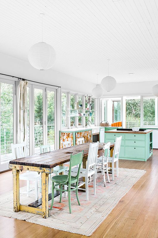 Mint touches/Warm and friendly kitchen