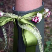 Festival Wellies - So easy to make! Customise your festival wellies with ribbon, twine or flowers.