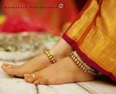 Gorgeous gold payal