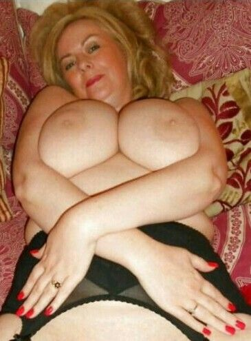 Magnificent milfs and gilfs sperm orgy and facial part i 6