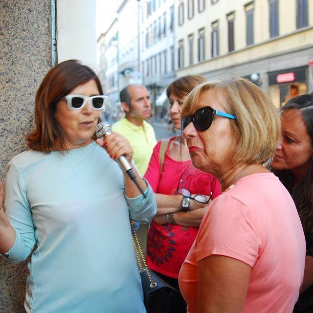 La visita al mio negozio per l'evento dei passi di Amedeo Modigliani. #ragazza #livorno #toscana #tuscany #moda #street #sguardo #hatsummer #hat #matrimonio #instaitalia #instaitaly_photo #instaitalian #fascinator #modigliani #arte #cultura #pittura