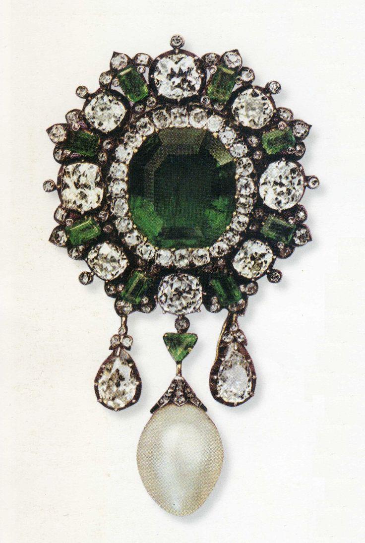 Spilla con smeraldi della Regina Margherita