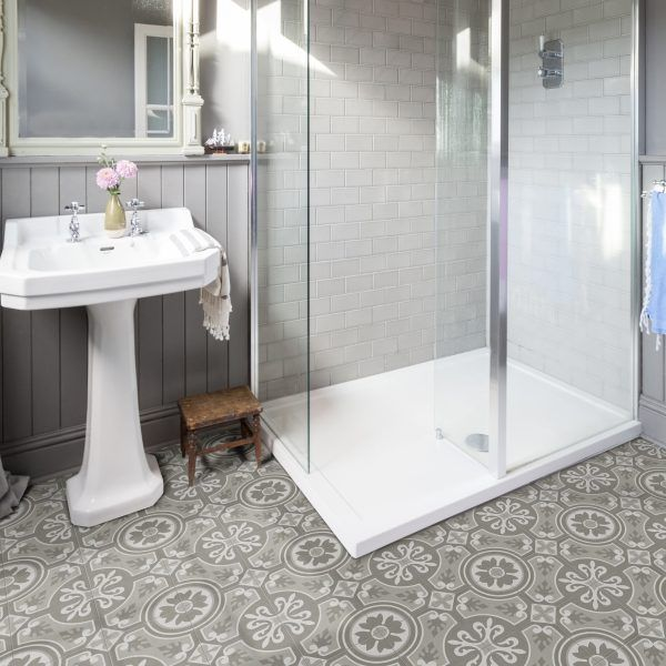25 tiles persquare metre. Sold in boxes of 12.