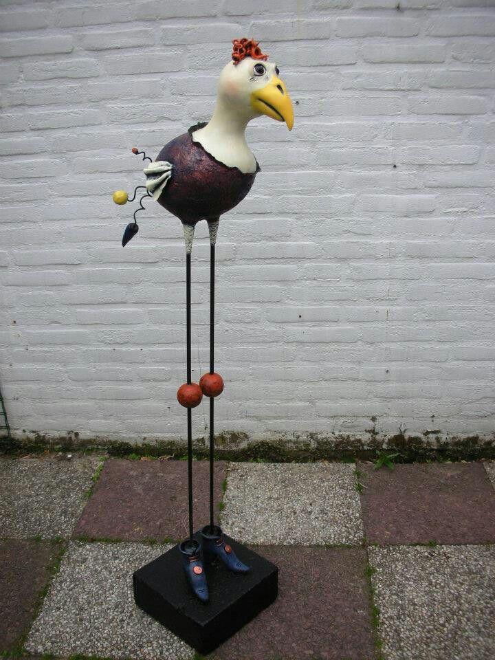 Grote vogel, geboetseerd met air dry clay Papier klei