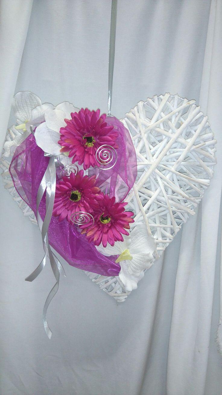 Srdce na dveře domu nevěsty.
