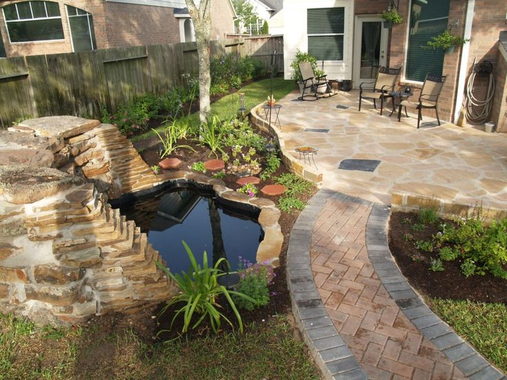 Small Backyard with Water Pool Design