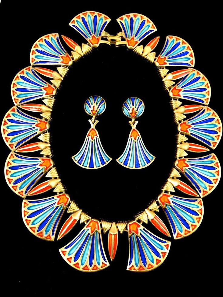 RARE 1960 S CROWN TRIFARI EGYPTIAN REVIVAL KING TUT COLLAR NECKLACE EARRINGS SET