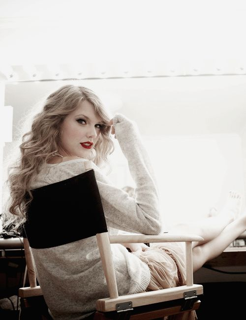 "kissesoncheekss: "" Taylor Swift photographed by Art Streiber for Parade Magazine, 2010. """