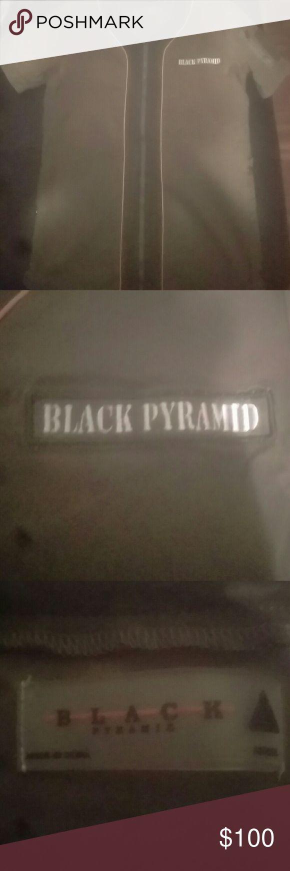 Chris Brown black pyramid shirt small Navy green with stash pocket on back of the shirt zips down and up black pyramid Shirts