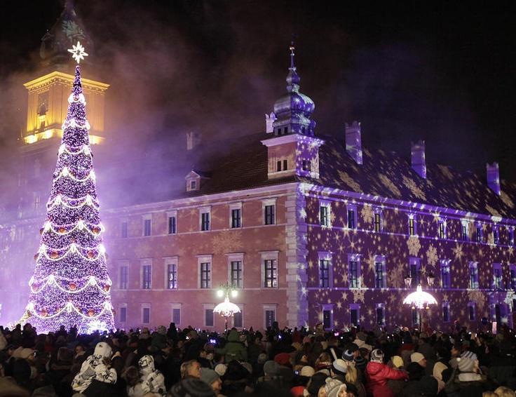 L'albero di Natale in Royal Treaty street a Varsavia, Polonia