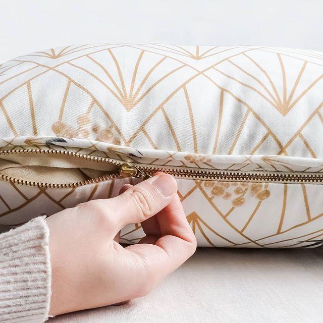Cuscini dall'anima naturale...per saperne di più seguite il link in bio ➡ Buon sabato! 🍻  Only natural cotton fillings for our pillows... To learn more read the post on our website ➡ link in bio. Have a great Saturday! 🍻  #ecofriendly #sustainability #sostenibilità #homeliving #homedecor #naturalfabrics #tessutonaturale #tessutinaturali #cuscini #cuscino #pillows #cushions #pillow #cotone #cotton #cotonenaturale #naturalcotton #design #estetica #aesthetic #fashion #italianblogger #moda…
