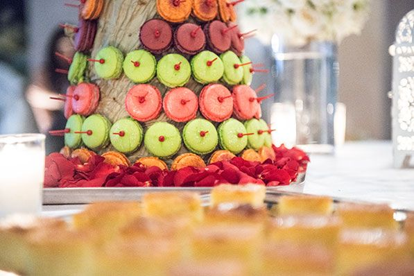 Perfect for a wedding dessert, macaroons craziness