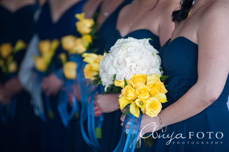 anyafoto.com, wedding bouquet, bridal bouquet, white bouquet, roses, white roses, yellow roses, rose bouquet, white rose bouquet, yellow rose bouquet
