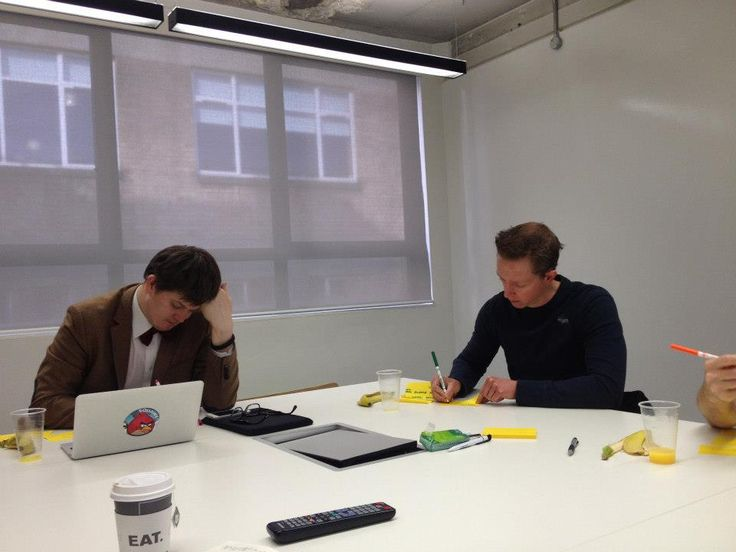 Holvi's Build a Bank   London 2013 - Build A Bank participants writing down problems they've had with banking & money management II - #Holvi #FinTech #FutureOfBanking