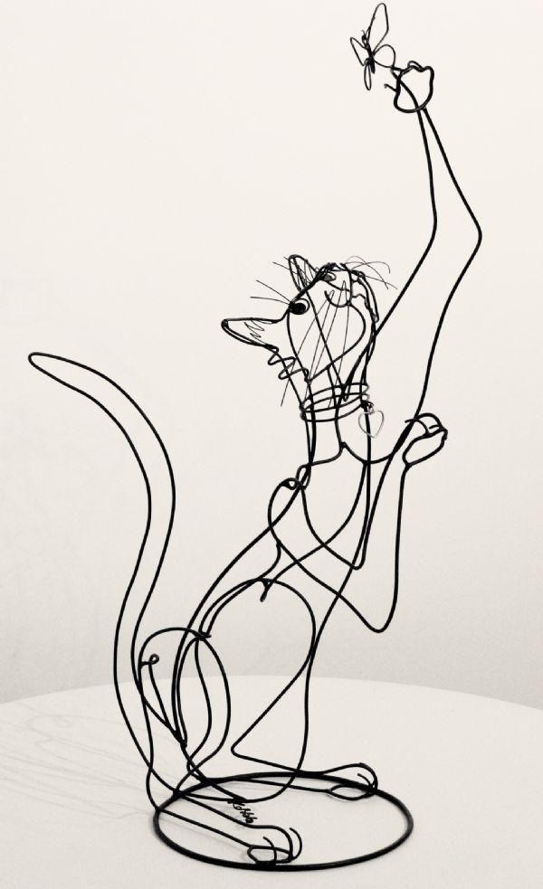 Escultura con alambre Por Rudy Kehkla -- 3D wire cat sculpture